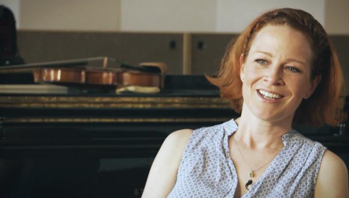 Carolin Widmann spricht über 'Violin and Orchestra' von Morton Feldman