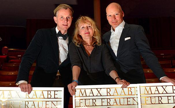 Max Raabe, Max Raabe erhält für sein Album Für Frauen ist das kein Problem Gold-Auszeichnung in London