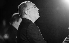 ECM Sounds, Seelenverwandte – John Potter singt Josquin und Victoria