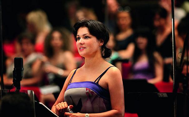 Anna Netrebko, Exklusiv: Hören Sie zwei Verdi-Tracks von Anna Netrebko und Dmitri Hvorostovsky