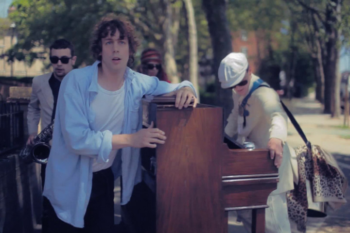 Johnny Borrell - Pan-European Supermodel Song (Oh! Gina)