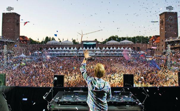 Avicii, 13. September: Avicii veröffentlicht sein erstes Album True
