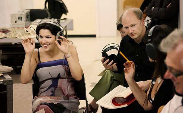 Anna Netrebko, Hinter den Kulissen: Anna Netrebko bei den Aufnahmen von 'Verdi' - Folge 2