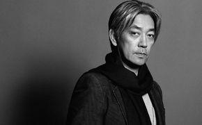 Ryuichi Sakamoto, Kammermusikalischer Verkleidungskünstler
