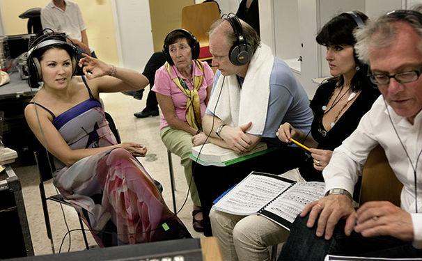 Anna Netrebko, Hinter den Kulissen: Anna Netrebko bei den Aufnahmen von 'Verdi' - Folge 5