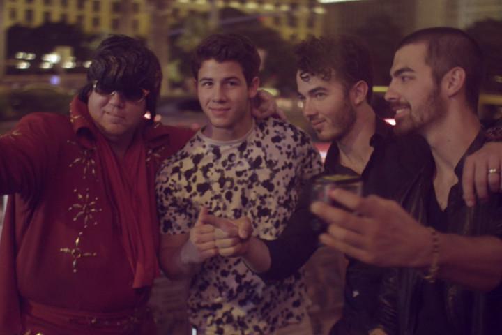 Jonas Brothers Pom Poms