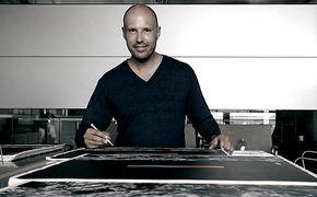 Schiller, Schiller signiert 2.500 Exemplare von Opus