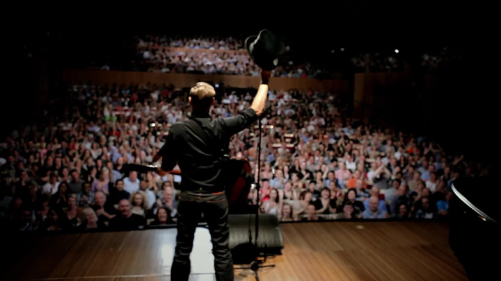 Bryan Adams Trailer (Live At Sydney Opera House)