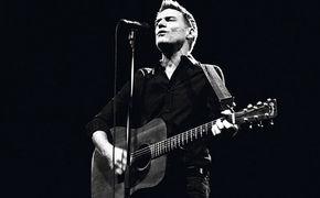 Bryan Adams, Bryan Adams Bare Bones Tour 2011 – Live aus dem  Sydney Opera House nun auf DVD/BluRay