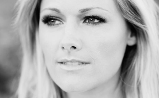Helene Fischer, Helene Fischers neue Single Atemlos durch die Nacht ist vorbestellbar