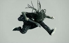 Korn, Mit dem Video Never Never von Korn in die Feiertage starten