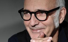 Ludovico Einaudi, Exklusive Premiere von Ludovico Einaudis Musikvideo Life