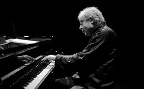 ECM Sounds, Noble Klanggemälde – András Schiff legt Beethoven-Zyklus ...