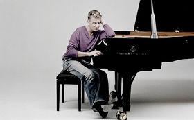 Jean-Yves Thibaudet, Gewinnen Sie ein handsigniertes Album des französischen Pianisten Jean-Yves Thibaudet