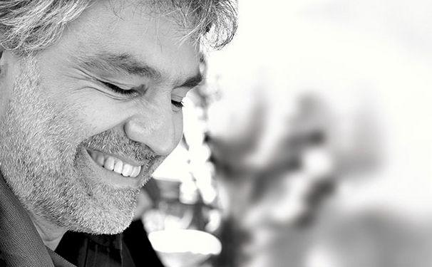 Andrea Bocelli, Universitätsabschluss im Fach Gesang: Andrea Bocelli erhält Master