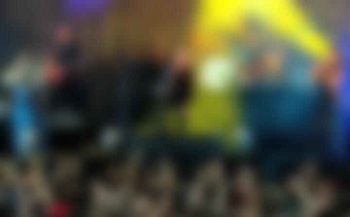 Bunt und nicht braun (Live-Version)