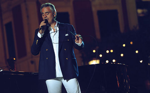 Andrea Bocelli, Erlebt eine Sommernacht mit Andrea Bocelli: Sein neues Album Love in Portofino ist da