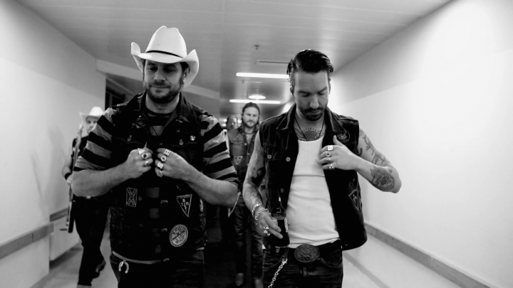 God Loves Cowboys (Live)