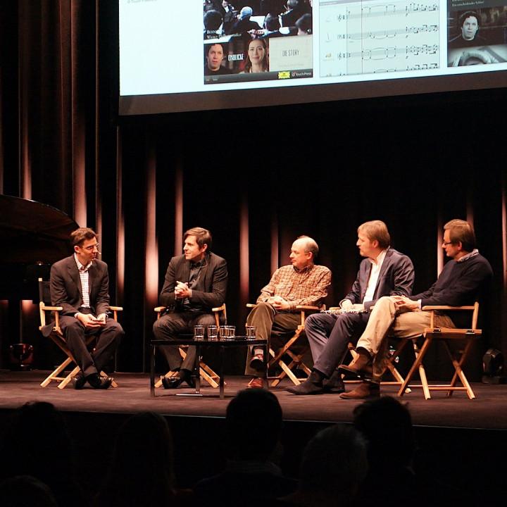 """Die App """"Beethoven 9″ wird von den Experten präsentiert: Ruppert Wagg und Stephan Steigleder (Deutsche Grammophon), Max Whitby (Touch Press), Albrecht Mayer und Simon Halsey."""