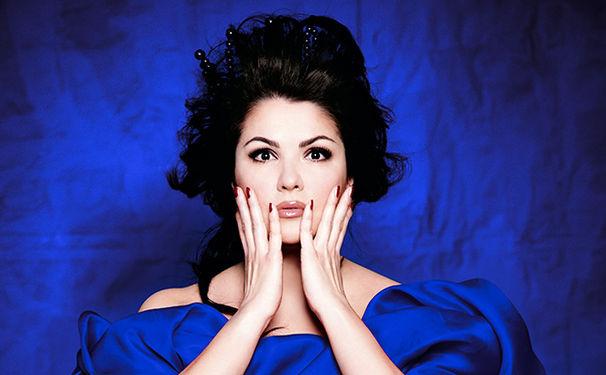 Anna Netrebko, Verdi jetzt auch auf Schallplatte genießen