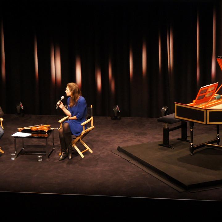 Janine Jansen im Gespräch mit Andreas Kluge (Deutsche Grammophon) im apple flagship store am Kurfürstendamm
