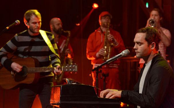 Bosse, Endlich da: Hört jetzt in Bosses Kraniche – Live in Hamburg Album rein