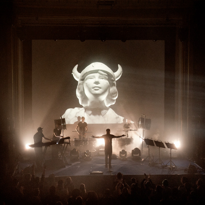 Woodkid – Showcase Berlin 08 − 2014