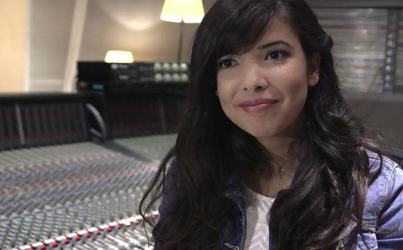 Indila, Interview (mit englischen Untertiteln)