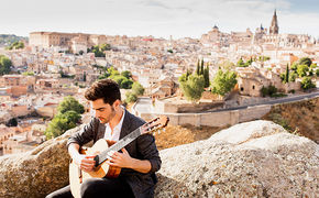 Milos Karadaglic, Hier das neue Video des Stargitarristen sehen und das neue Album Aranjuez gratis vorhören