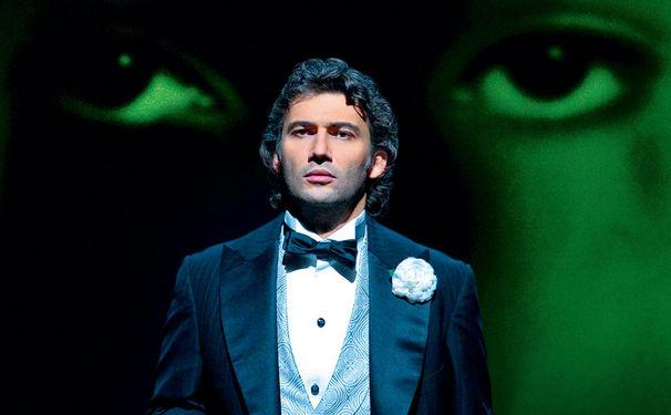 Jonas Kaufmann, Der derzeit beliebteste Opernsänger ist in zwei neuen Videomitschnitten zu sehen. Hier erfahrt ihr alles darüber