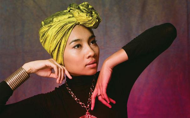 Yuna, Yuna - Kreuzung zwischen Mary Poppins und Coldplay