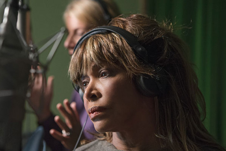 "Tina Turner singt ""Amazing Grace"" aus dem Album Love Within - Beyond"
