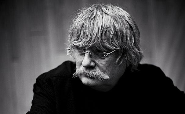 Karl Jenkins, Ungebrochener Elan - Karl Jenkins hat für Motetten seine schönsten Werke umarrangiert