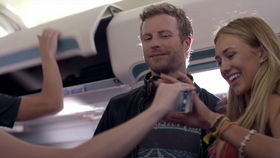 Dierks Bentley, Dierks Bentley - Drunk On A Plane