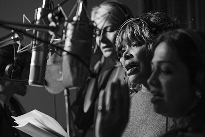 Regula Curti, Tina Turner, Sawani Shende-Sathaye