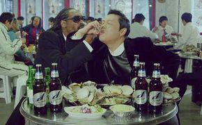 PSY, PSY präsentiert zusammen mit Snoop Dogg das Video zu Hangover