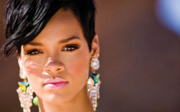 Rihanna, Hier Fotos sehen: Rihanna hält Diamond Ball zugunsten der Clara-Lionel-Stiftung