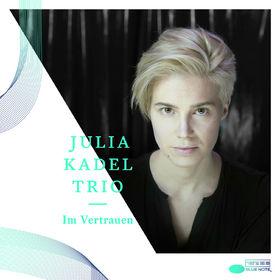 Julia Kadel, Im Vertrauen, 00602537898367