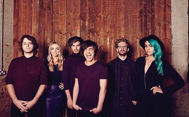 Sheppard, Question & Answer Interview von Universal Music Backstage: Hier erfahrt ihr mehr über die Band Sheppard hinter den Kulissen