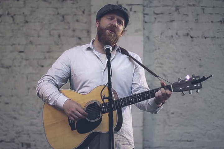 "Alex Clare - ""War Rages On"" Acoustic"