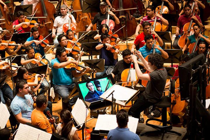 Gustavo Dudamel mit dem Simón Bolívar Orchestra