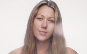 Colbie Caillat, Try: Colbie Caillat macht in ihrem neuen Video Schluss mit Schönheitsidealen