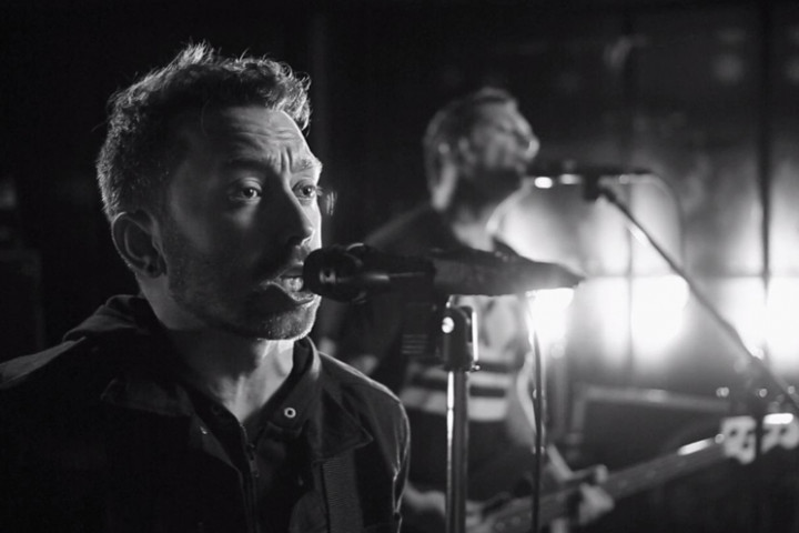 "Rise Against ""Wolves"" 2017"