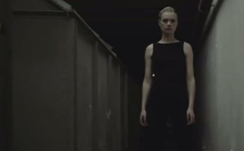 Laing, Wechselt die Beleuchtung (Trailer)