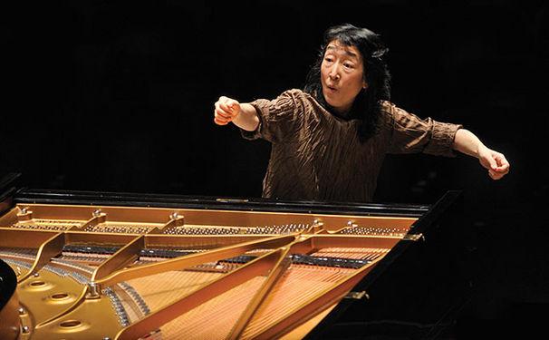 Mitsuko Uchida, Mozarts Klavierwerk in warmen Farben