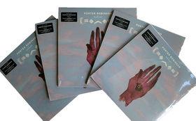 Porter Robinson, Porter Robinson auf Platte: Hier eine von fünf Worlds Vinyls gewinnen