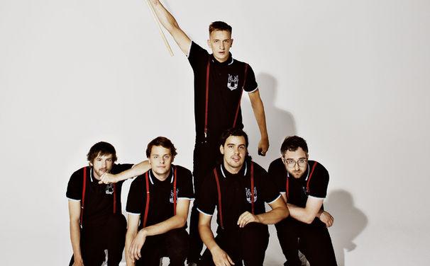 Kraftklub, Deutscher Indie-Rock wie er sein muss: Checkt jetzt das neue Kraftklub-Album In Schwarz