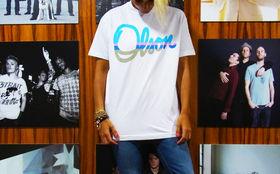 Olson, Gewinnt stylische T-Shirts mit 'Olson' Schriftzug
