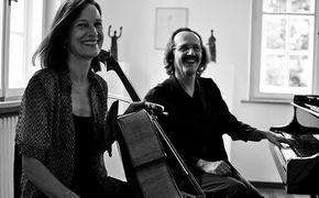 Anja Lechner, Sonntag in Berlin – Anja Lechner und François Couturier live im HAU1