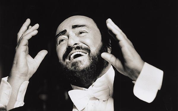 Luciano Pavarotti, Tenor der Herzen - Das Doppelalbum The People's Tenor würdigt Luciano Pavarottis großen Erfolg